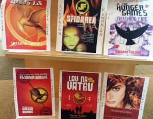 "Igo Teens ""Catching Fire"" Book Covers Display"