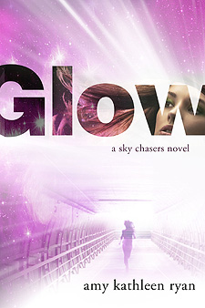 """Glow"" by Amy Kathleen Ryan book cover"